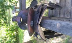 """15"""" Hereford Tex Tan saddle. Fleece shows some wear but still in good functional condition. Very nice saddle. I have 3 saddles and 1 horse so decided to sell this one."""