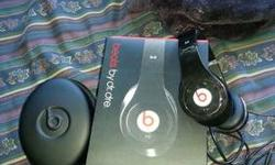 Hello, im looking to trade some items I have for either lovebird pairs or cockatiel mutation (not normal gray) pairs. What I habe for trade are beats by dre with box manual and case studio edition and also a full set of wilson brand golf clubs with bag